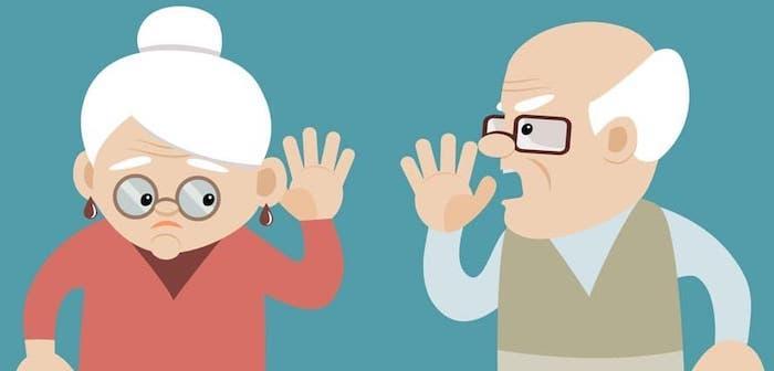 Какие слуховые аппараты лучше для пожилых людей - ТОП 11